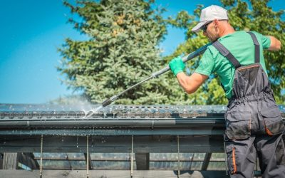 Gutter Cleaning Tips – Don't Fall Victim to Leaking Gutters